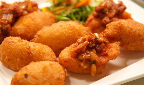 Accara Are Crispy Black Eyed Pea Fritters That A Popular Street Food In West Africa Best Served With Kanni Zesty Tomato Sauce